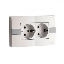 Розетка 2-ая с заземлением 16А Mono Electric ЕСО белая с вставкой 101-01-120